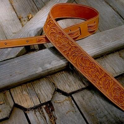 Durango model hand-tooled leather guitar strap, tan, wild rose tooling